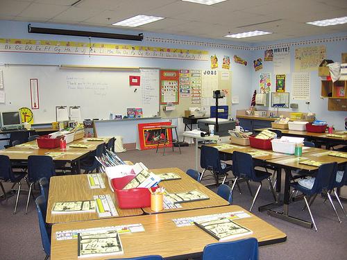 Elementary Classroom Setup ~ Salford classroom set up